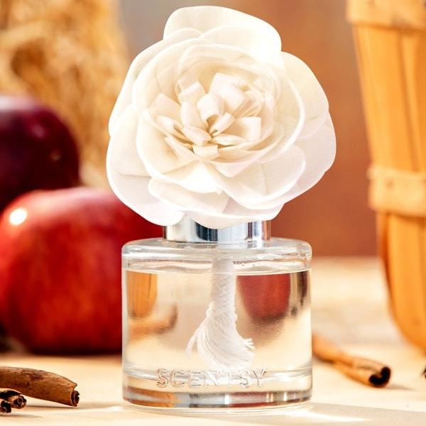 Apple & Cinnamon Sticks Fragrance Flower